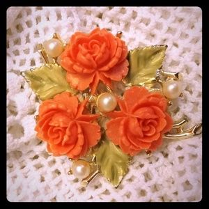 Jewelry - Beautiful Coral Floral Resin & Pearl Pin